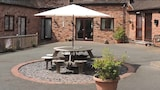 The Manor Coach House - Worcester Hotels