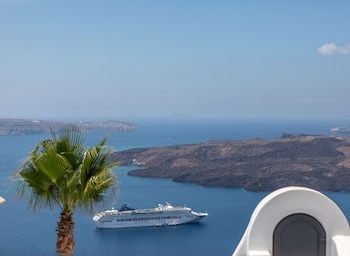 Thira, Santorini 84700, Greece.