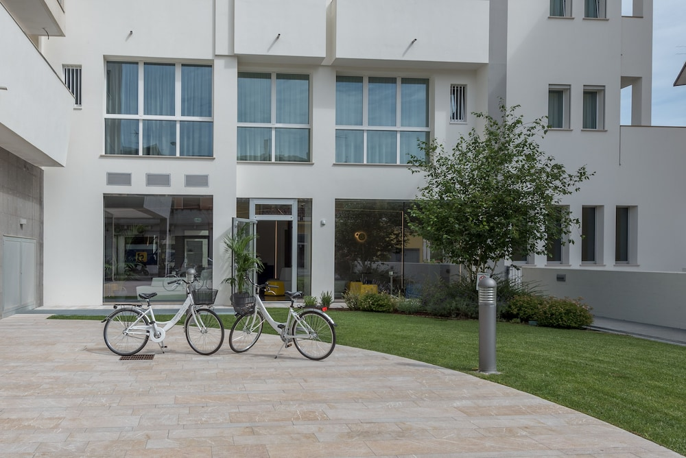 Bicycling, Hesperia Hotel & Residence