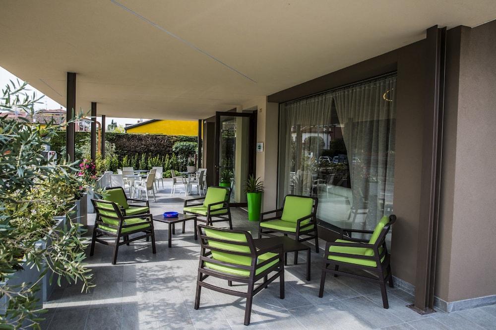 Buena Onda (Peschiera del Garda) - 2018 Hotel Prices   Expedia