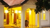 The Pineapple Villa - Gampaha Hotels