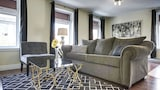 Posh 1BR in The Village by Sonder - Montreal Hotels