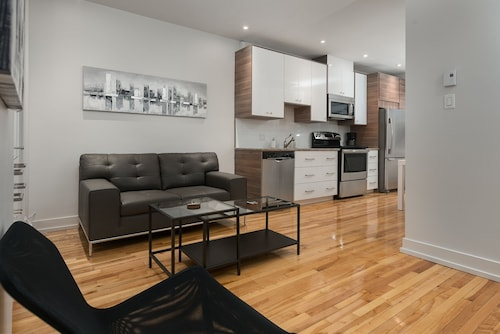 Chic 1BR in Little Italy by Sonder