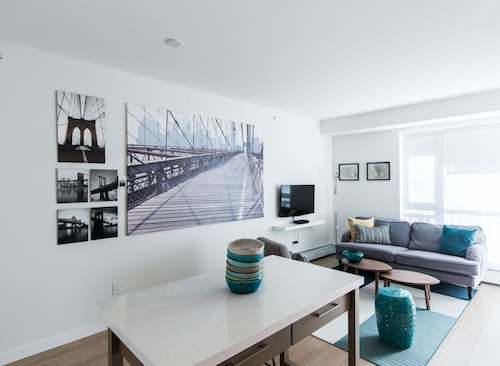 Check Expedia for Availability of Posh 1BR in Mount Pleasant by Sonder