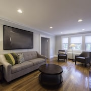 Modern 3BR in Brookline by Sonder