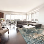 Sleek 2BR in West Loop by Sonder