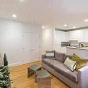 Bright 1BR in Theater District by Sonder