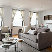 Chic 1BR in Theater District by Sonder
