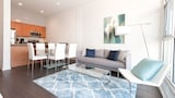Sleek 2BR in Lincoln Park by Sonder - Chicago Hotels