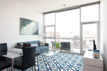 Bright 2BR in Lincoln Park by Sonder