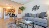 Airy 1BR in Little Italy by Sonder - San Diego Hotels