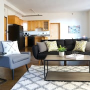 Central 1BR in DTLA by Sonder