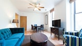 Airy 2BR in Lincoln Park by Sonder - Chicago Hotels