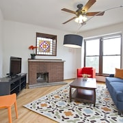 Architectural 6BR in Lincoln Park by Sonder