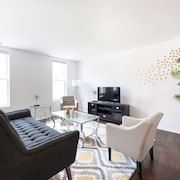 Bi Level 3BR in Lake View by Sonder