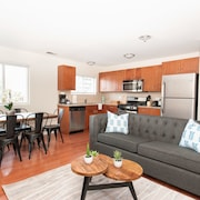 Chic 2BR in Lincoln Park by Sonder