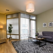 Vibrant 2BR in Lincoln Park by Sonder