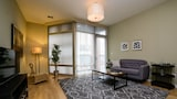 Vibrant 2BR in Lincoln Park by Sonder - Chicago Hotels