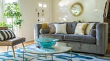 Bright 3BR in Beverly Hills by Sonder - Beverly Hills Hotels