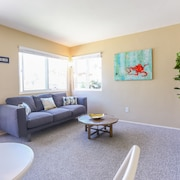 Airy 1BR in Pacific Beach by Sonder