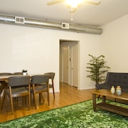 Lovely 4BR Wrigleyville by Sonder