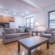 Posh 1BR in Theater District by Sonder