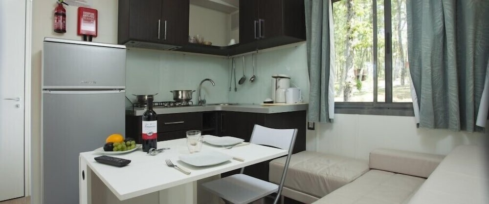 Private Kitchenette, Glamping Village Orlando in Chianti