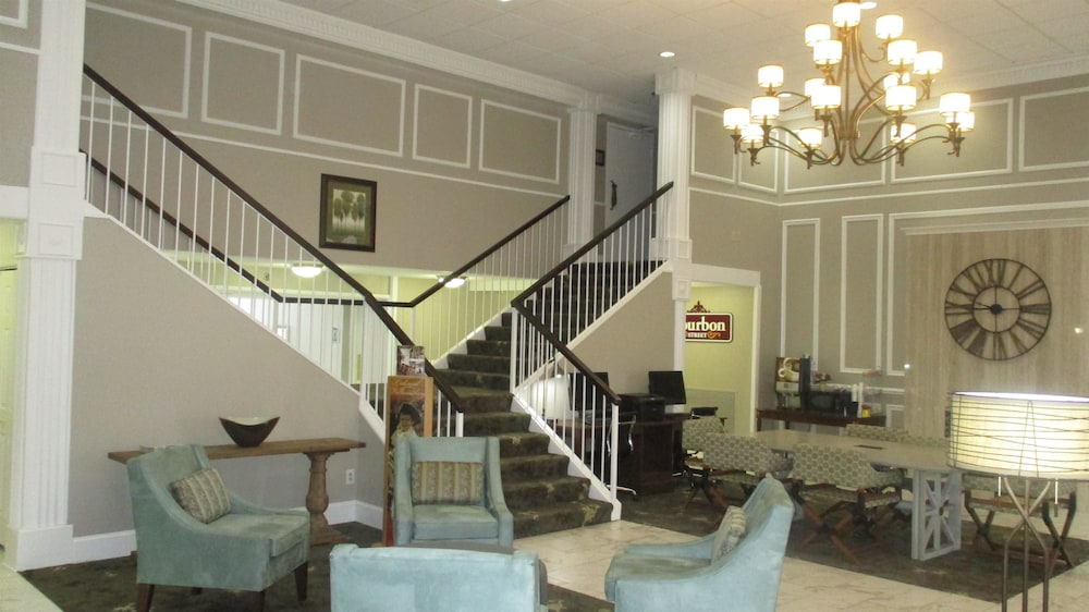 Lobby, Best Western Williamsburg Historic District