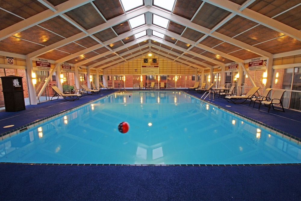 Indoor Pool, Best Western Williamsburg Historic District