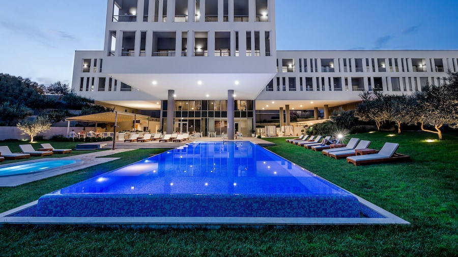 Hotel Salona Palace