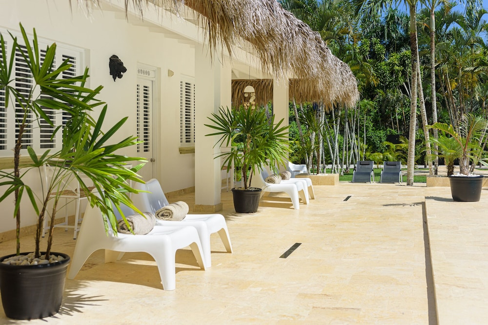 Sundeck, Adults Only Hacienda Terra Taina