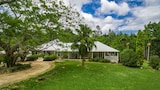 Byron Creek House - Byron Bay Hotels