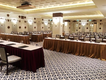 Legend Palace Hotel - Reviews, Photos & Rates - ebookers com