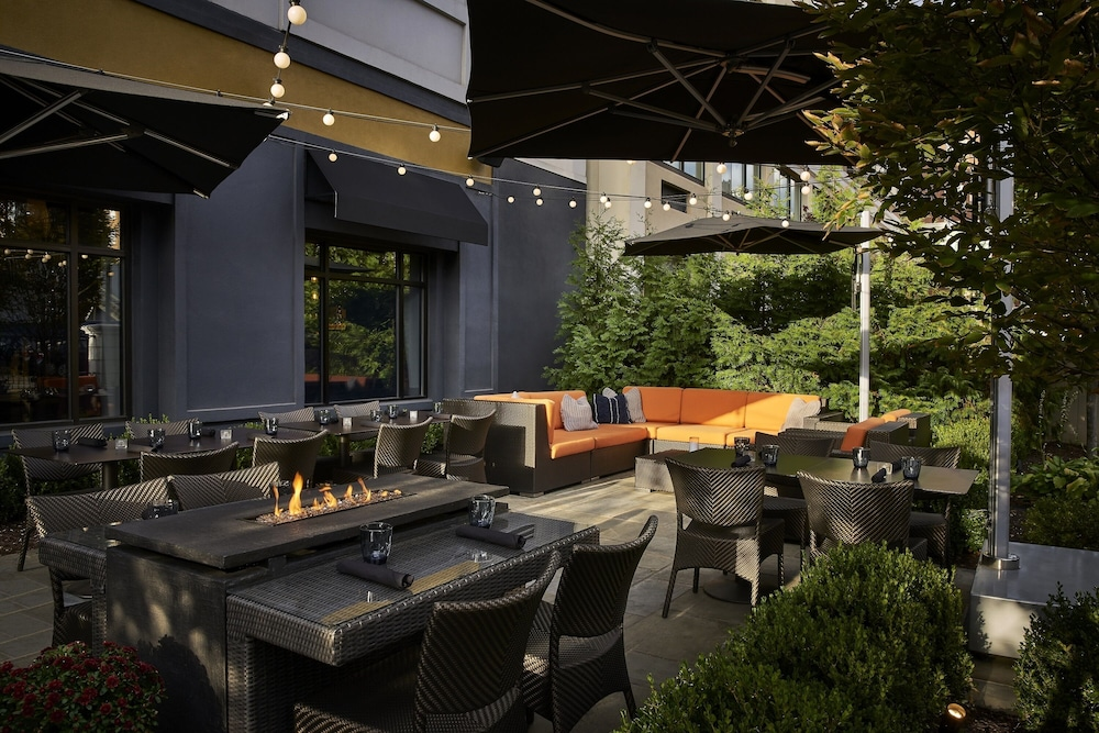 Outdoor Dining, The Darcy Hotel
