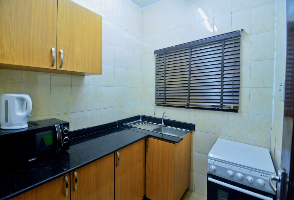 Private Kitchen, 2 bedroom vacation home in VGC
