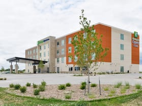 Holiday Inn Express & Suites Ogallala, an IHG Hotel