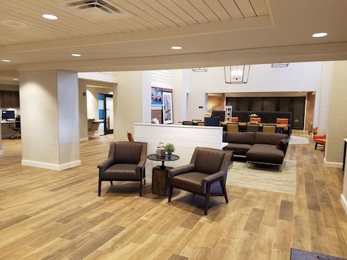 Check Expedia for Availability of Hampton Inn & Suites Pittsburg Kansas Crossing, KS
