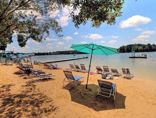 Check Expedia for Availability of Lake Tiak O Khata Resort
