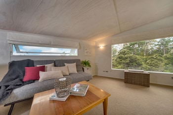 8/361 Paremoremo Rd, Albany, Auckland 0632, New Zealand
