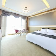Hotel the One Yeosu