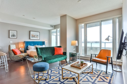 Liberty Village Condo w/Parking