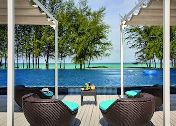 Splash Beach Resort, Mai Khao, Phuket