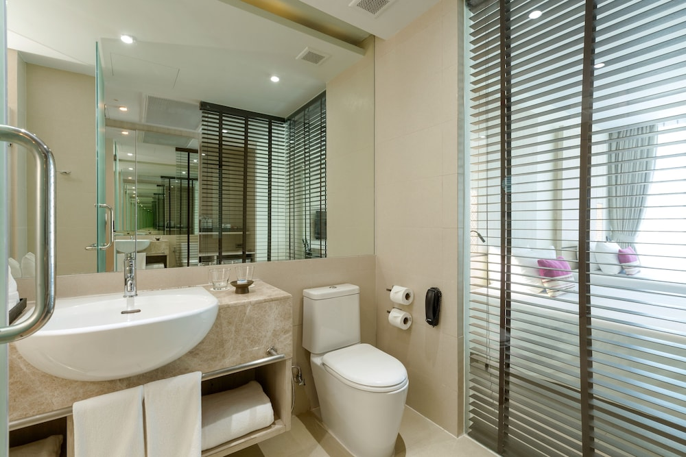 Bathroom, Splash Beach Resort, Mai Khao, Phuket