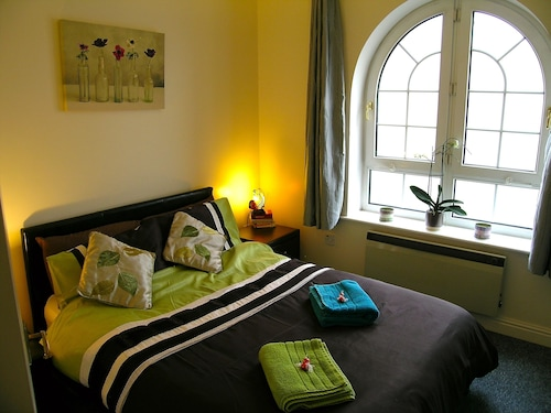 Brighton Getaways - The Mariner Suite