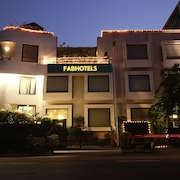 FabHotel Anutham Green Park