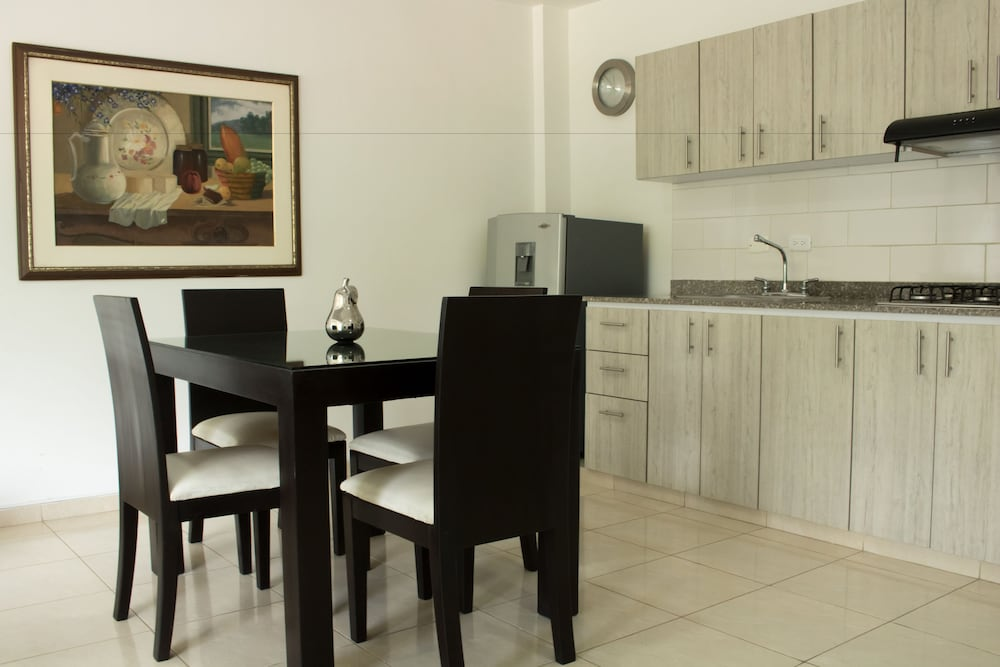 In-Room Dining, Apartamentos Amoblados El Ingenio