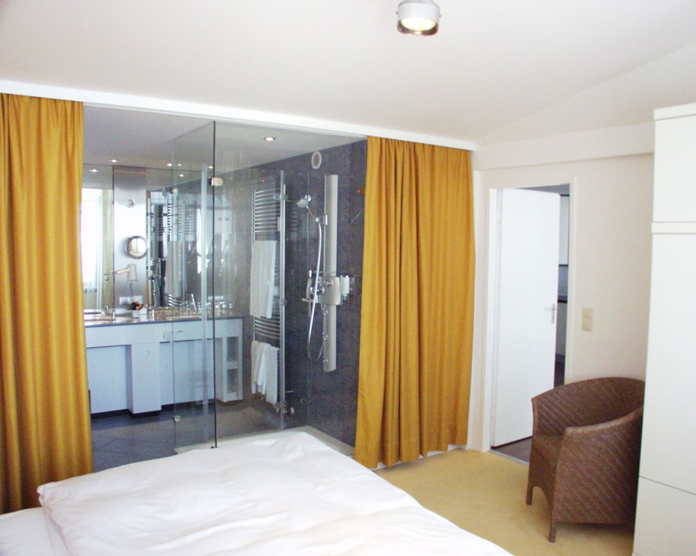 Discount 75% Off Hotel Roth Am Strande Germany   3 Palms ...