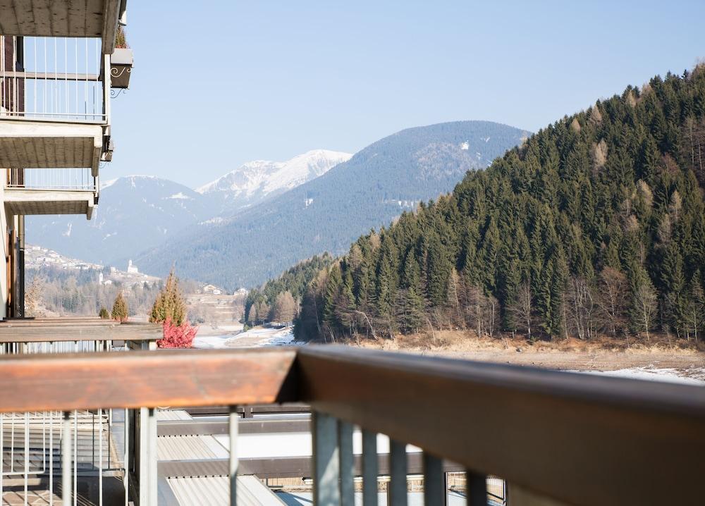 La Terrazza sul Lago: 2018 Room Prices, Deals & Reviews | Expedia