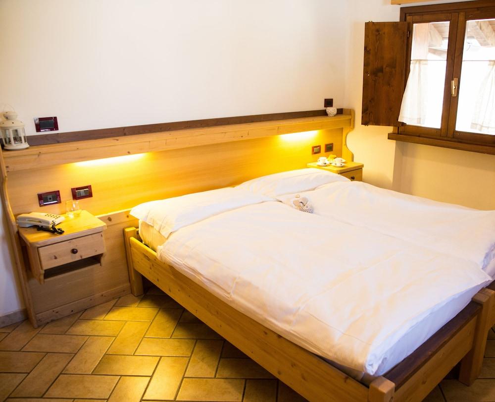 La Terrazza Sul Lago In Baselga Di Pine Hotel Rates