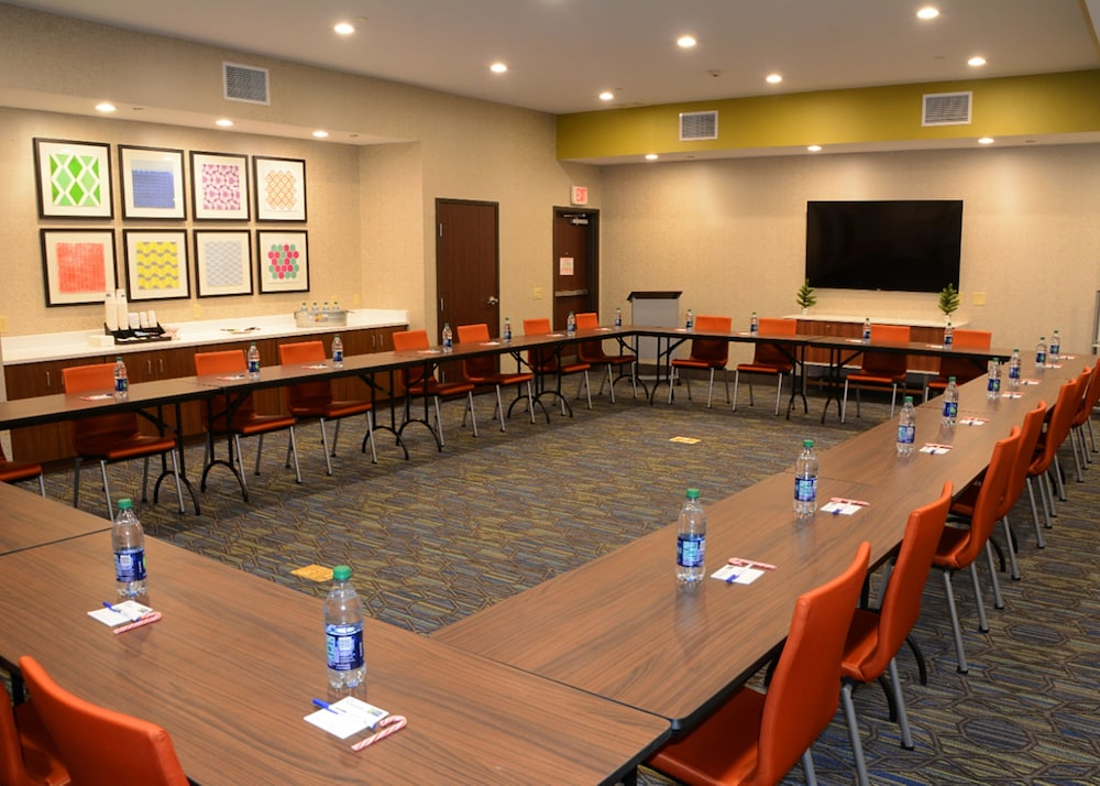 Meeting Facility, Holiday Inn Express & Suites Pittsburgh - Monroeville